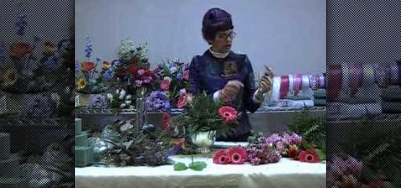 How To Create A Fresh Flower Arrangement With Floral Foam Flower Arrangement Wonderhowto
