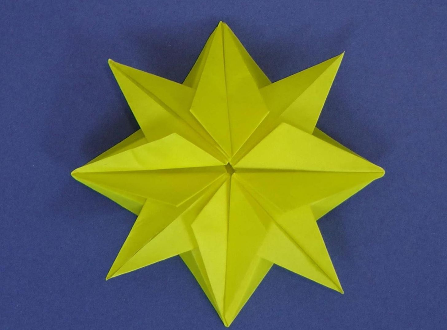 How to Make an Origami Christmas Star « Origami :: WonderHowTo - photo#15