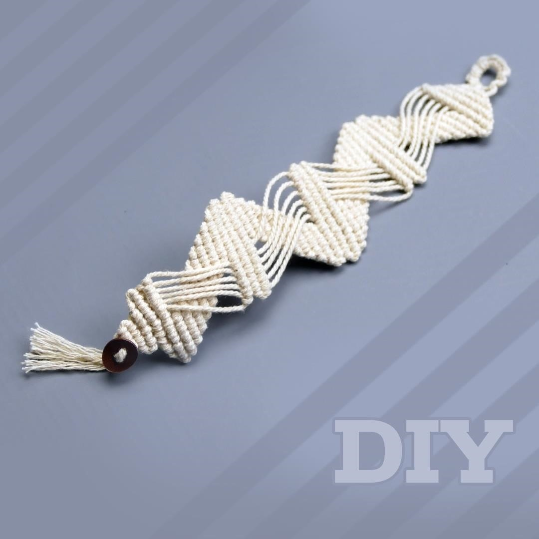 Macrame Zig Zag Bracelet DIY