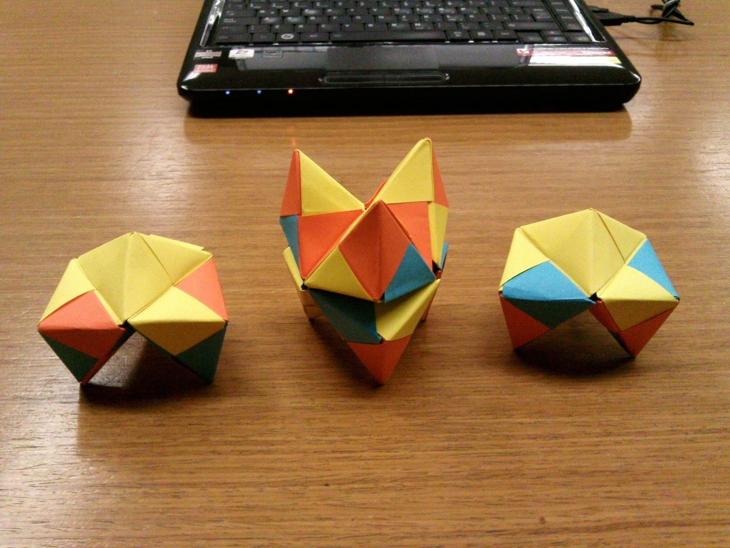 Modular Origami How To Make A Cube Octahedron Icosahedron From Diagrams Sonobe Units Math Craft Wonderhowto
