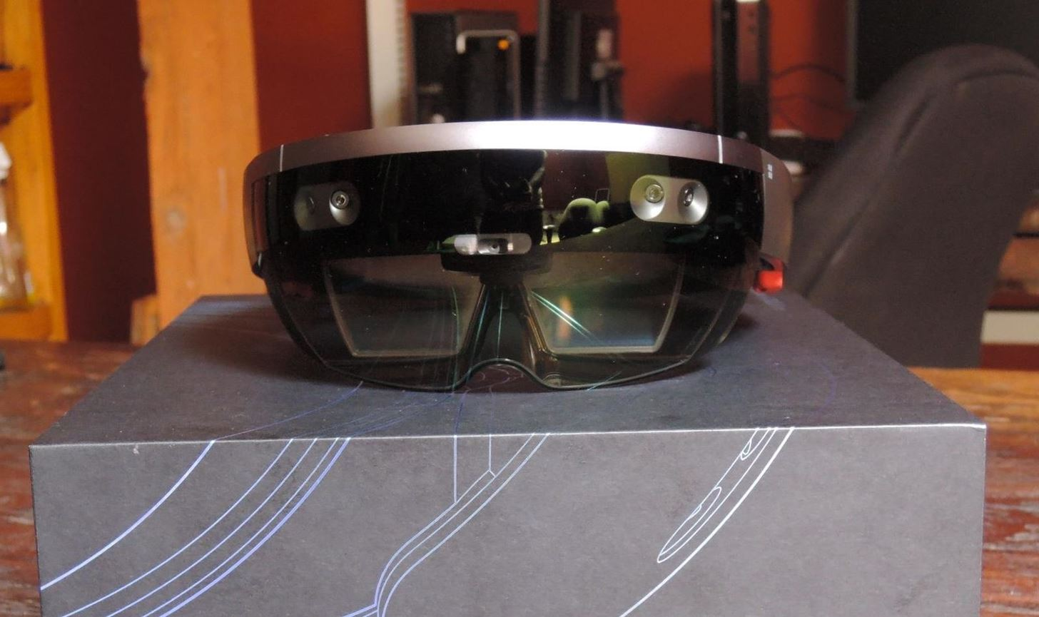 Your First Look at the HoloLens Development Edition