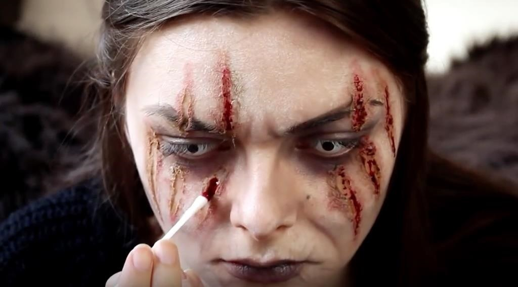 Game of Thrones: DIY Lady Stoneheart Makeup Effects for Halloween ...