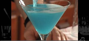 Mix a gorgeous, sweet and tasty Blue Moon martini cocktail