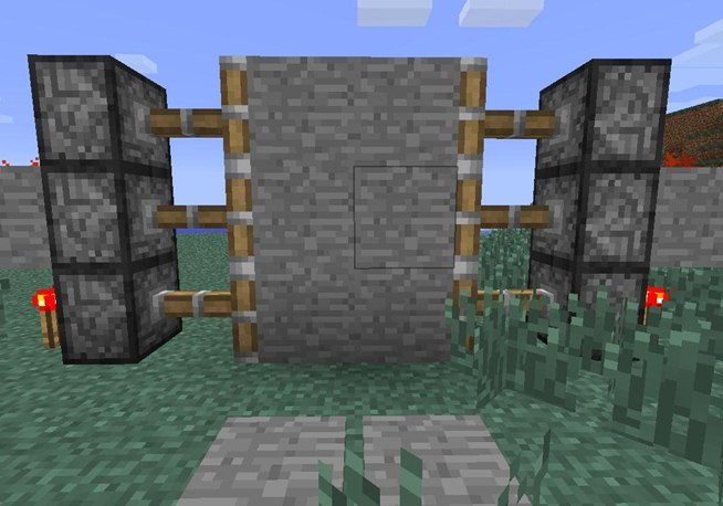 Piston Door in Minecraft