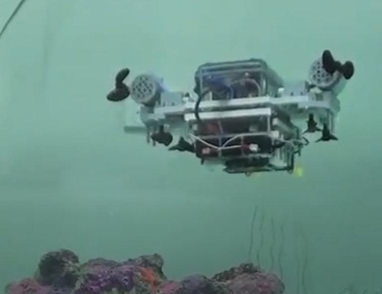 This LEGO Mindstorms Submersible Can Be Piloted by Your Xbox Controller