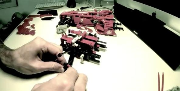 Timelapse Ferrari LEGO Build