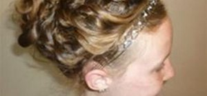 "Make a Taylor Swift-Inspired ""Love Story"" Updo"