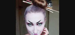 Create a modern geisha makeup look for Halloween