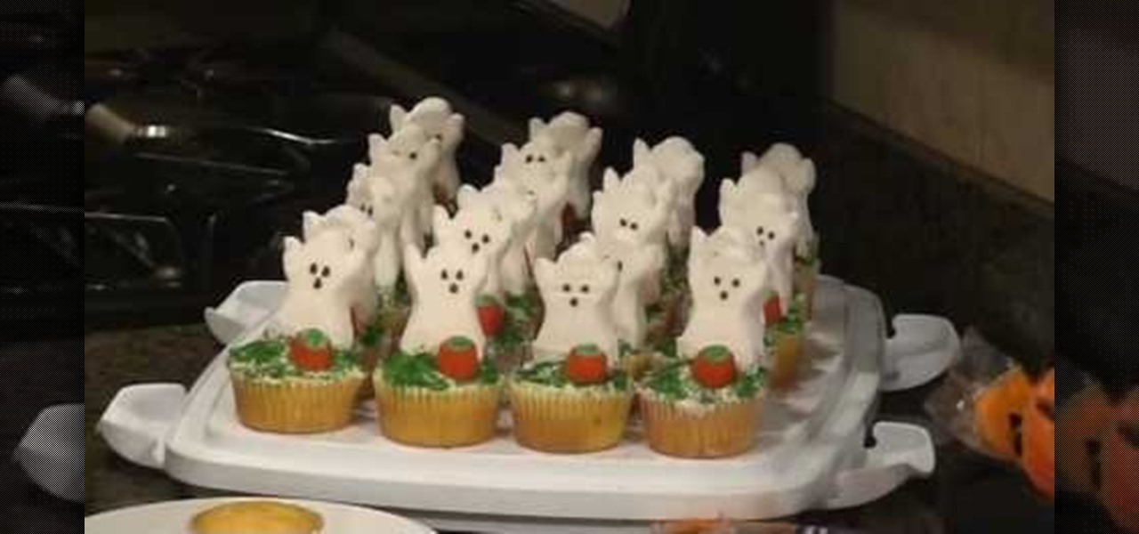 how to make easy and quick halloween cupcakes with ghost peeps cake decorating wonderhowto