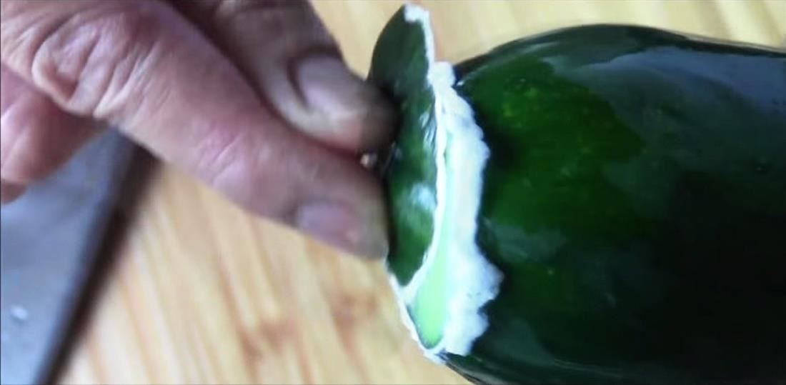 O truque inexplicável para remover Bitterness from Cucumbers