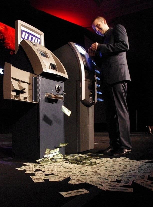 Windows XP Runs 95% of All ATMs Despite Microsoft Ending Support