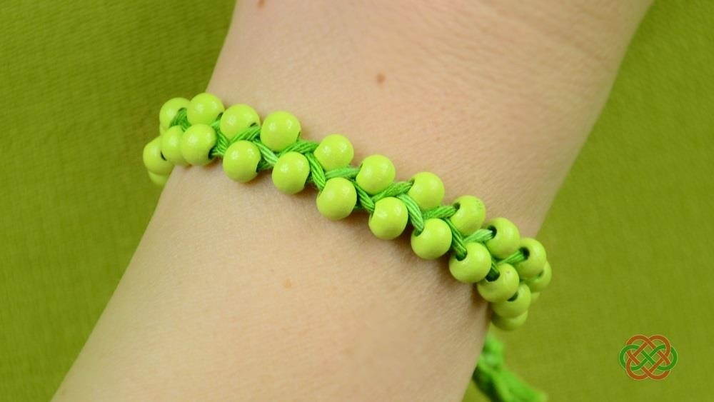 How to Make Beaded Friendship Bracelet (Easy and Fast)
