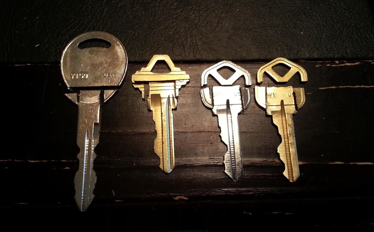 Trade in Your Bulky Set of Keys for This Simple DIY Swiss Army-Style Keychain