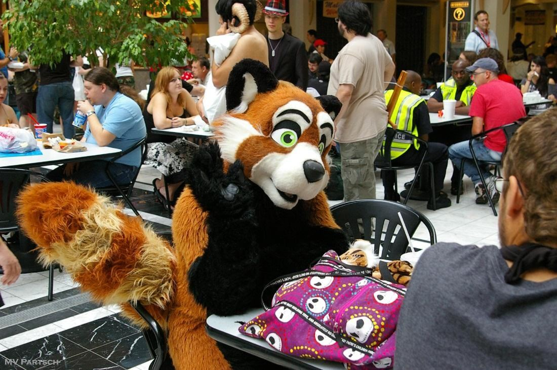 How to Eat for Free at DragonCon 2012