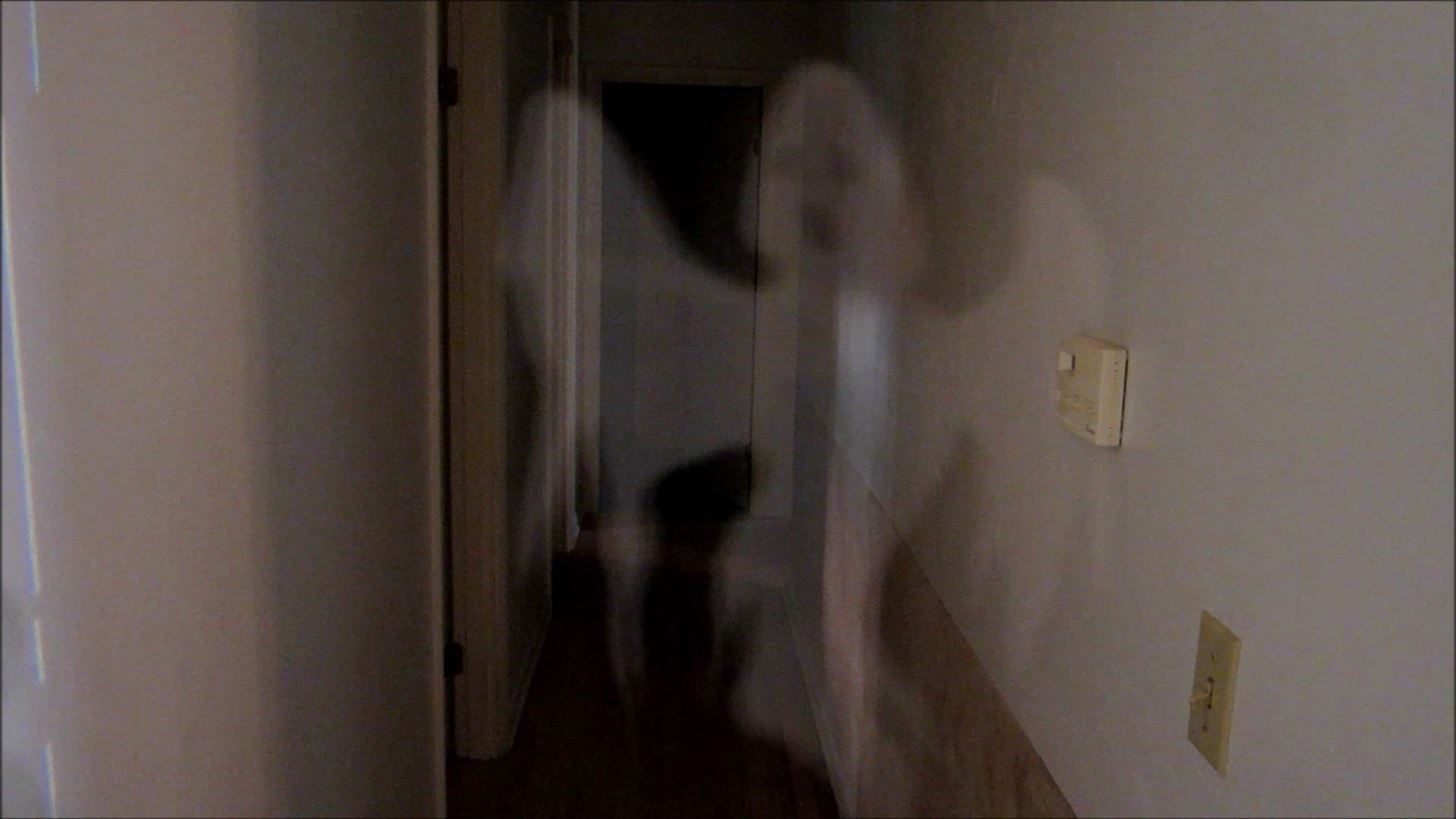 How to Add Creepy Apparitions to Your Halloween Photos Using the Pepper's Ghost Illusion