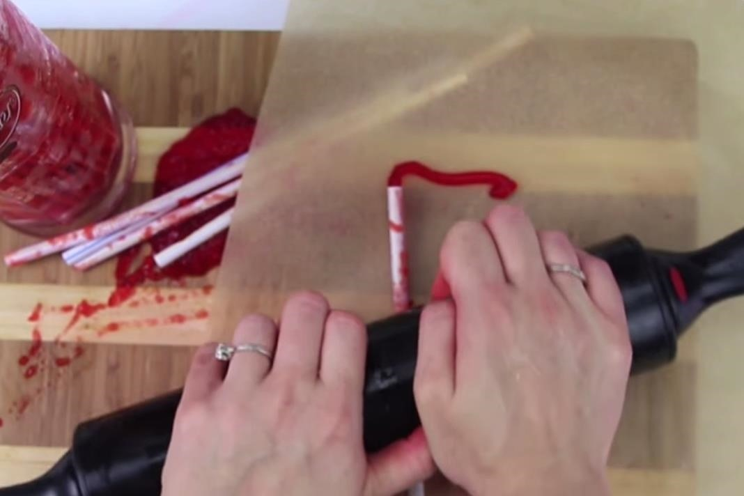 Halloween Food Hacks: How to Make Bloody Jello Worms the Right Way