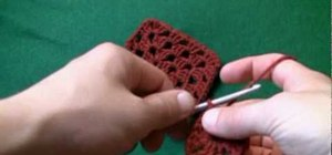 Make a crochet granny square for left handers