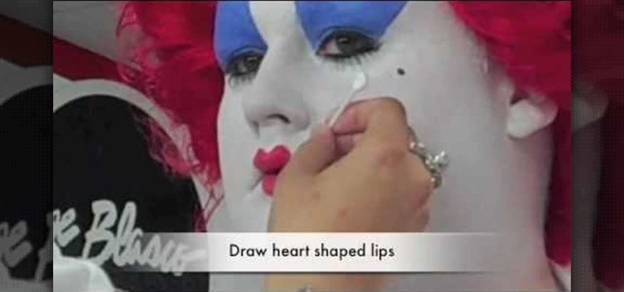 How to Recreate the Queen of Hearts makeup from Tim Burton\u0027s