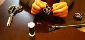 Turn an old zipper into a flower decoration
