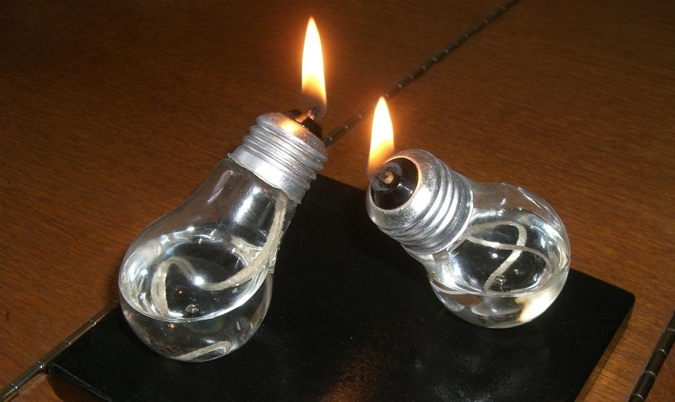diy impossible light bulb plus 6 more ways to repurpose burned out bulbs macgyverisms. Black Bedroom Furniture Sets. Home Design Ideas