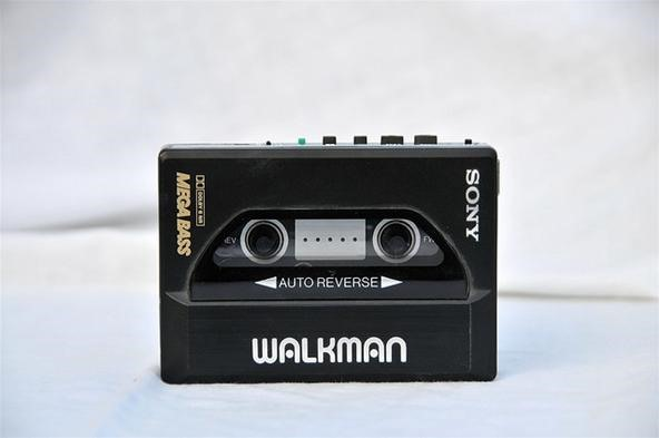 How to Mod a Sony Walkman Cassette Player into a Retro Apple iPod Case
