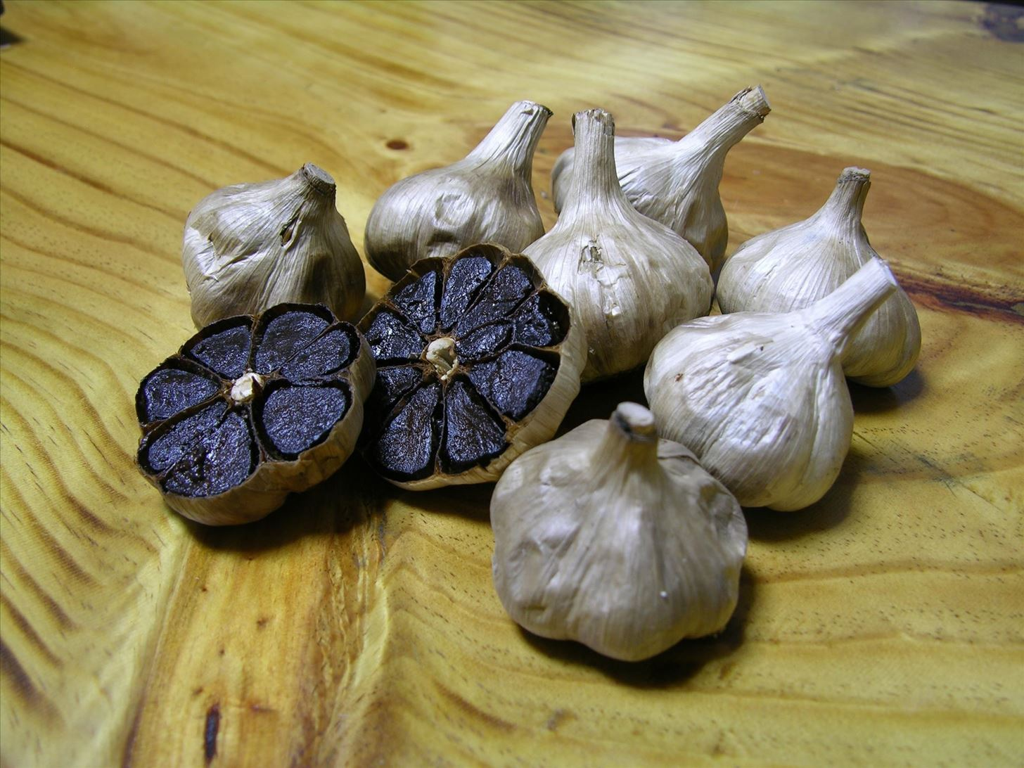 The Ultimate Garlic Cheat Sheet: Which Type of Garlic Goes Best with What?