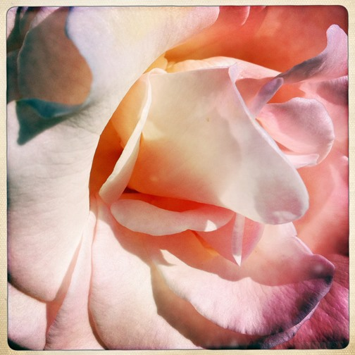 Get Inspired! 50 Amazing Shots Taken with Hipstamatic