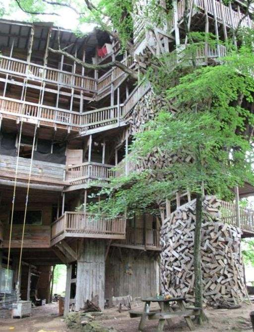 Insanely GINORMOUS Treehouse