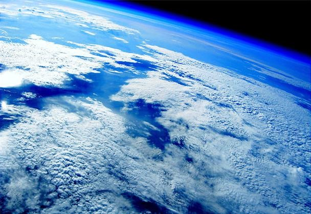 Iowa Fireman Hacks Camera to Snap Photographs from Outerspace