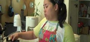 Make Thai iced tea