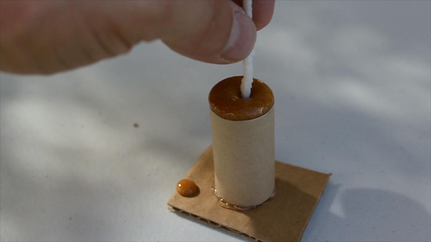 How to Make Slow Burning Fuses from Yarn, Sugar, & Potassium Nitrate