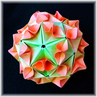 Math Craft Inspiration of the Week: The Intricate Sonobe Art of Meenakshi Mukerji