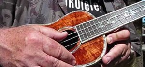 Tune up quickly when playing the ukulele