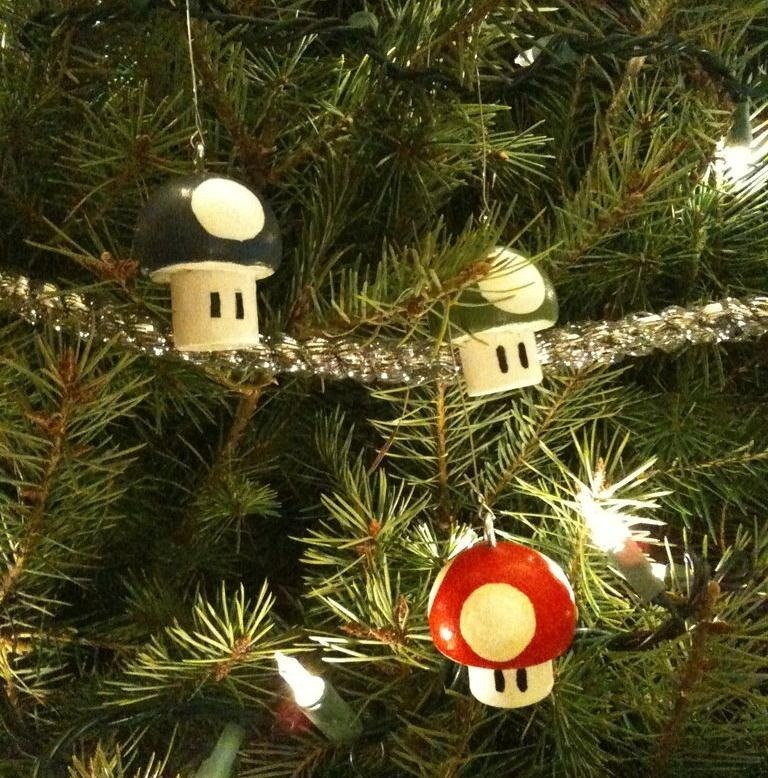Image by omninate/Instructables - Geek Up Your Holidays With These 10 Nerdy DIY Christmas Tree