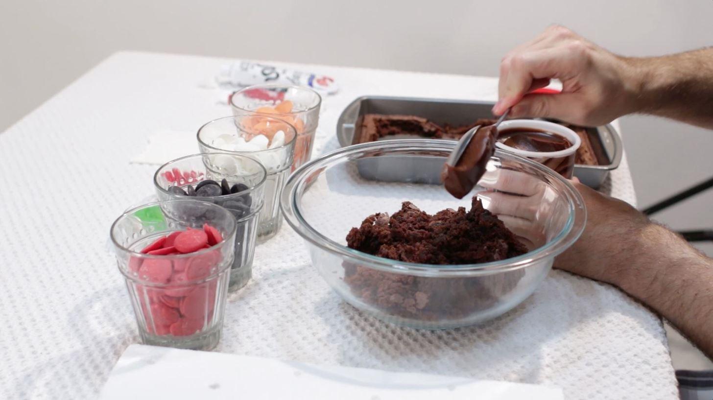How to Make Halloween Brownie Cake Pops