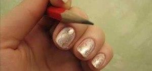 Create decorative scratches on fingernails