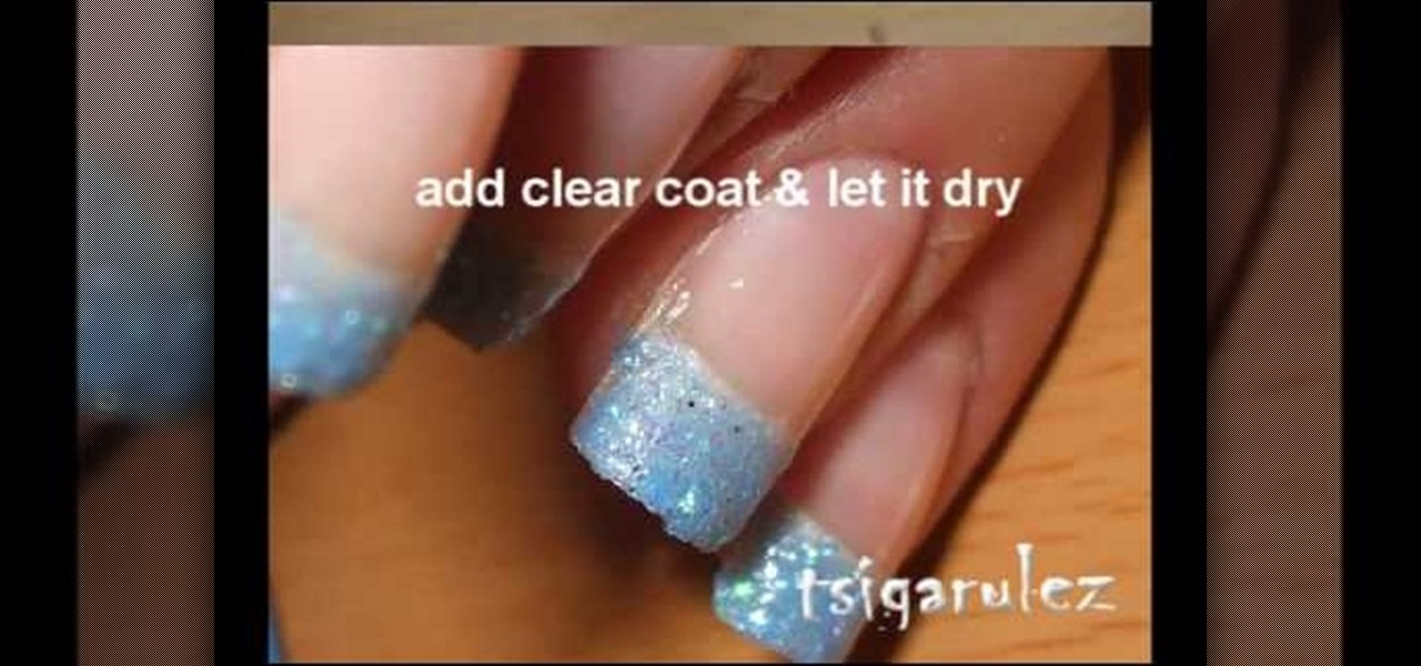 How to Paint your nails with blue glitter & black nail polish ...