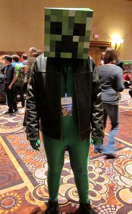 how to make a creeper costume