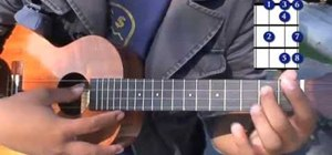 Play major triad chords on the ukulele