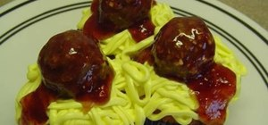 Make spaghetti and meatballs decorated cupcakes