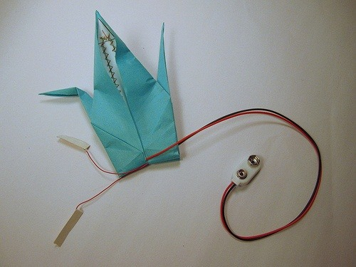 How to Make an Electronic Origami Crane That Flaps Its Own Wings