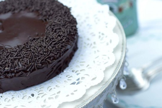 Make arak-spiked chocolate cake
