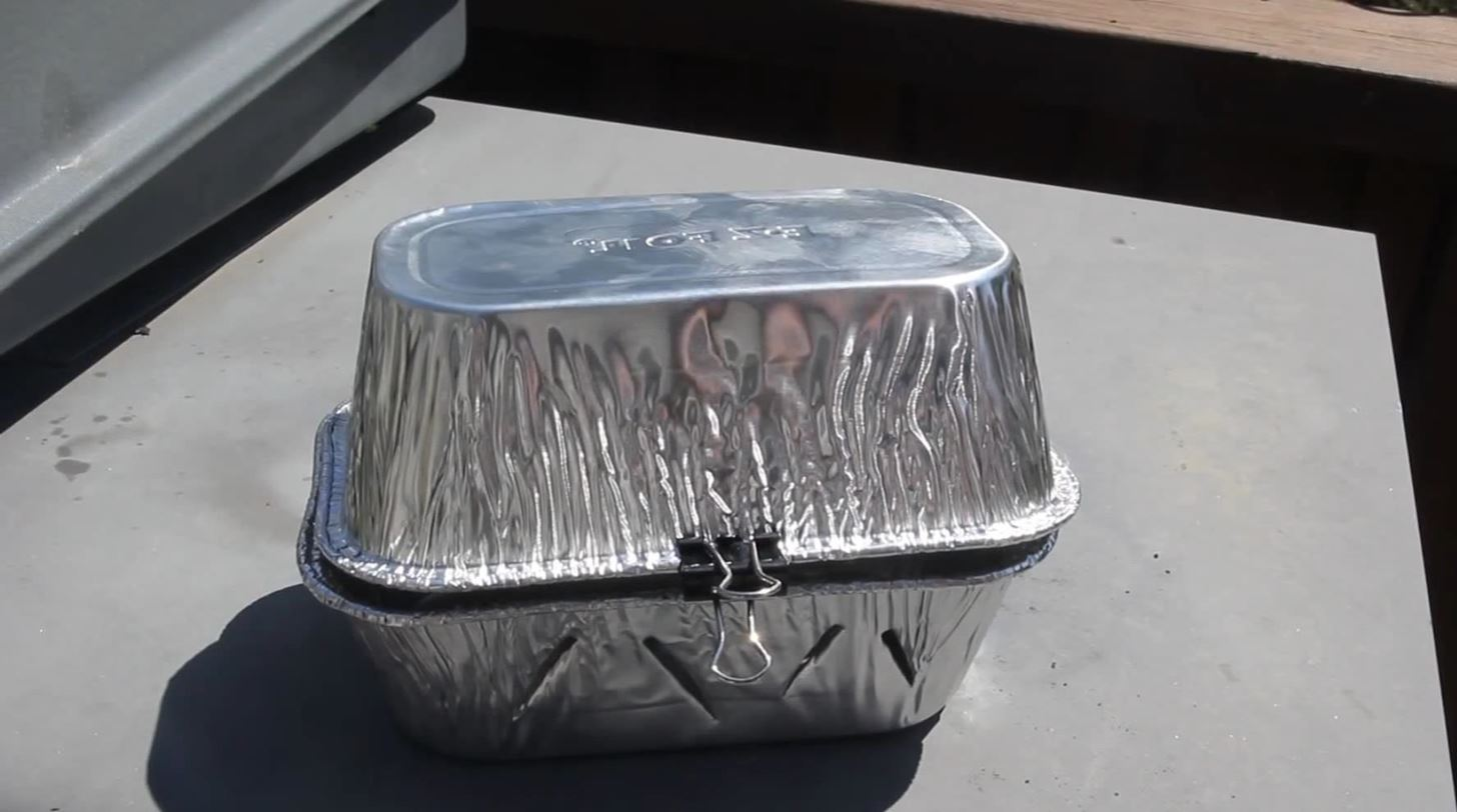 How to Make a Mini Grill Out of a Wire Hanger & Foil Pans