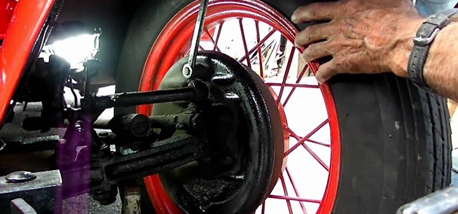 steps on adjusting the timing in a ford model a To learn whether or not you need to adjust your timing, find the optimum timing  number for your make and model and adjust if necessary.