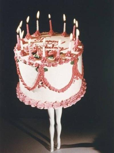 omg, That Ballerina is a Beautiful Cake.