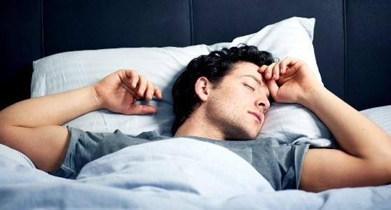 Change Your Sleeping Position to Control the Type of Dreams You Have