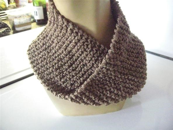 How to Knit a Fake Mobius Scarf