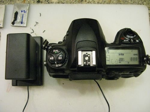 Need More Juice from Your DSLR? These 2 Battery Hacks Will Keep the Power On Longer