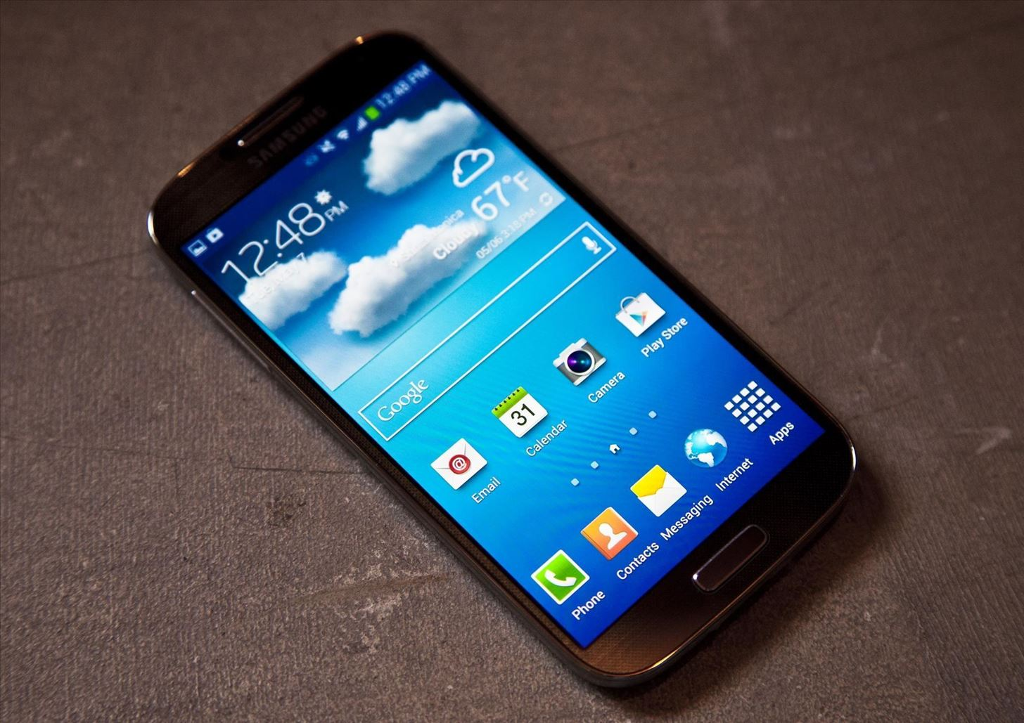 """A softModder's Review of the Samsung Galaxy S4: """"Best Android Phone on the Market"""""""