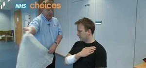 Apply first aid triangular bandage for arm injuries